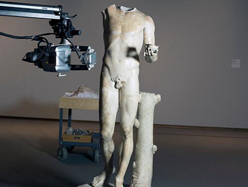 3D scanning Roman statue of Bacchus with a Breuckmann StereoScan 3D scanner