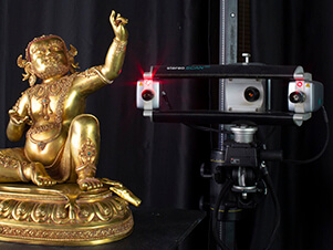 3D scanning a bronze Buddha with a Brueckmann Stereoscan structured light 3D scanner
