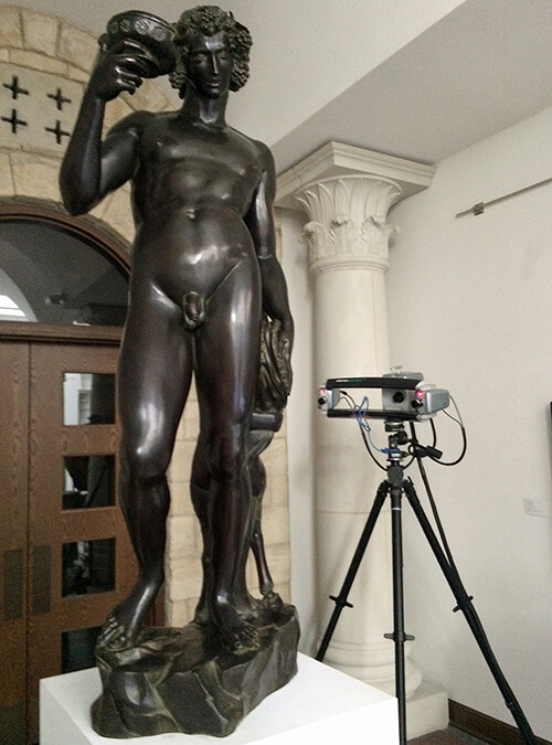 "3D scanning a bronze copy of Michelangelo's ""Bacchus"" using a Breuckmann Stereoscan structured light 3D scanner"