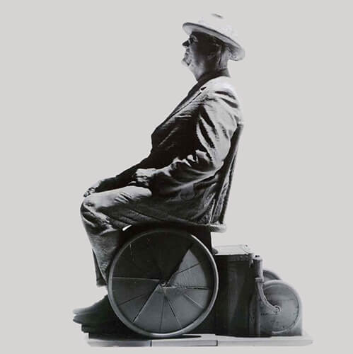 Bronze casting of FDR at the FDR Memorial in Washington, D.C. Artist: Robert Graham
